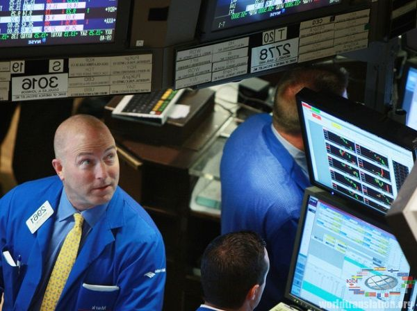 trade on the stock exchange