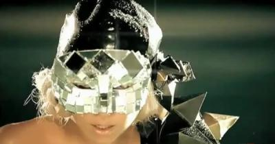 Lady Gaga Poker face перевод на русский